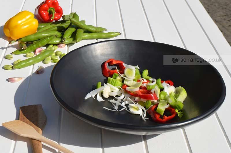 Large serving dish